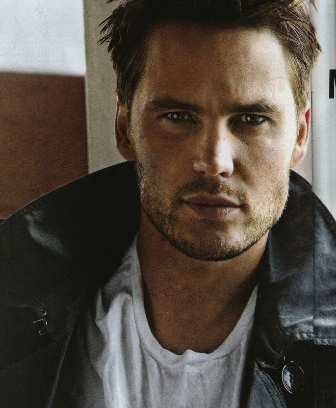 29_ridiculously_sexy_taylor_kitsch_pictures_might_make_you_blush